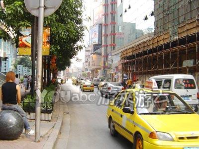 重庆街头的出租车