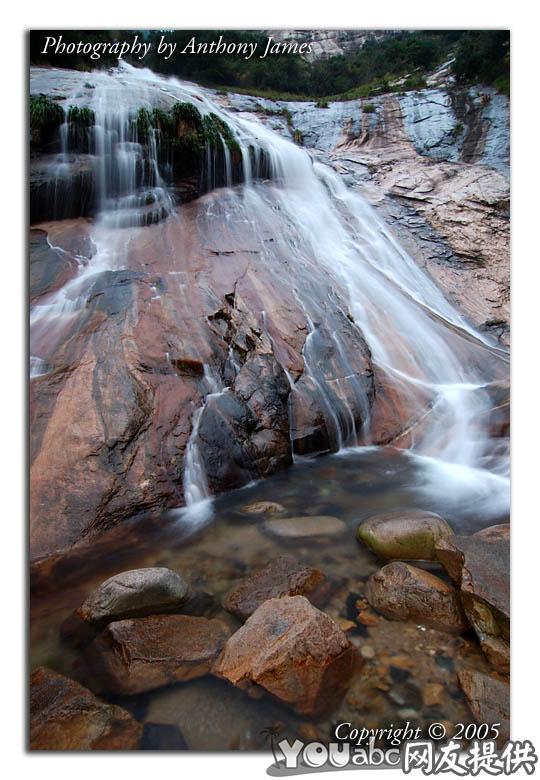 黄山附近的小瀑布