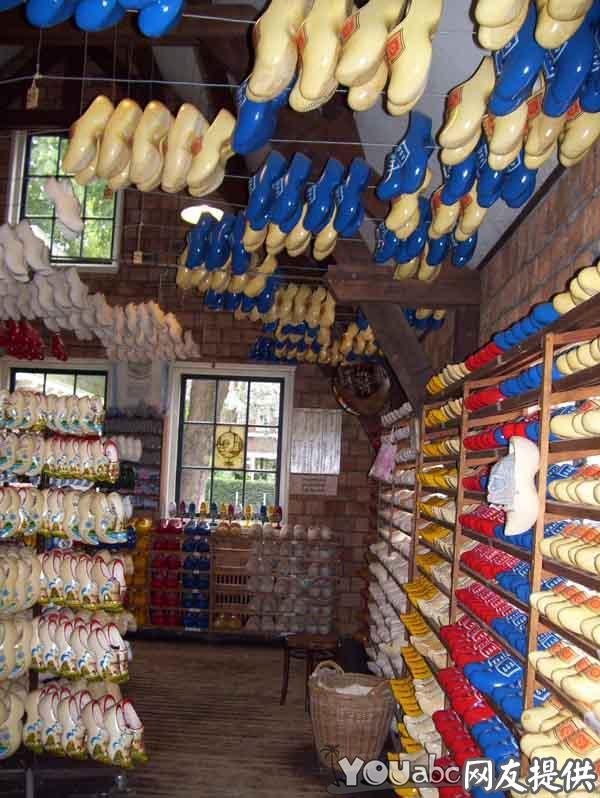 木鞋在荷兰已经有好几百年的历史,至今很多荷兰农民和渔民...
